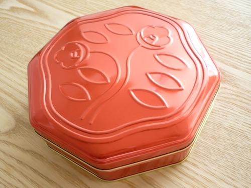 資生堂パーラー 花椿ビスケット、今度は赤缶 004
