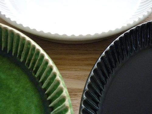 宋艸窯(そうそうがま)のパイ皿