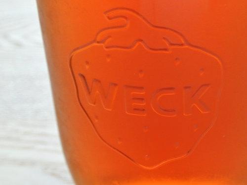 イチゴロゴ入りのWECKのジュースジャー 001