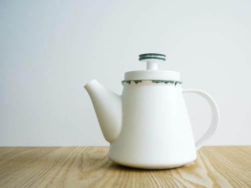 yumiko iihoshi porcelain(ユミコイイホシポーセリン)のハンドワークポット005